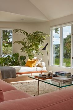 Lisa Jones' Shelter Island House Living Room, Photo by Jonathan Hokklo