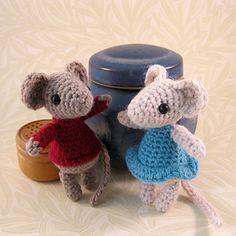 cute crochet mice by Lucy Ravenscar