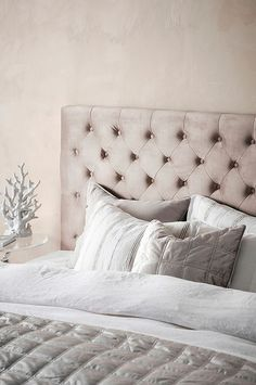 Bed Pillows, Pillow Cases, Interior, Room, Pillows, Bedroom, Indoor, Rooms, Interiors