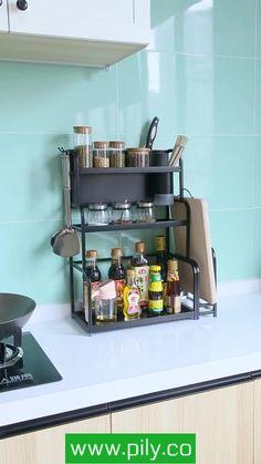 spice rack ideas counter top Spice Rack Organization, Spice Rack Organiser, Kitchen Organization, Diy Kitchen Storage, Kitchen Shelves, Kitchen Cabinets, Magnetic Spice Jars, Kitchen Fixtures, Modern Kitchen Design