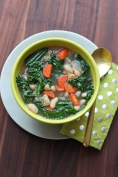 7 Yummy Kale Recipes — Yes, It's Possible! #refinery29 http://www.refinery29.com/44120#slide-4 Eva Daiberl, Miss Renaissance: Kale And White Bean SoupIt's still chilly enough outside for a comforting bowl of soup. This dish is bound to keep you satisfied — and healthy!Ingredients: 1 lb dried white beans such as Great Northern, cannellini, or navy 2 onions, coarsely chopped 2 tbs olive oil 4 garlic cloves, finely chopped 5 cups chicken broth 2 qt water 1 (3x2-inch) piece Parmigiano Reggiano 2…