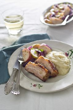 Slow-Roast Pork Belly with Celeriac Apple Puree and Roasted Apples - Polagano pečeno carko meso s pireom od celera i jabuka i pečenim jabukama