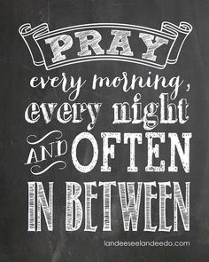 FREE Pray Printable - Awesome chalkboard printable. Great for a kids room!