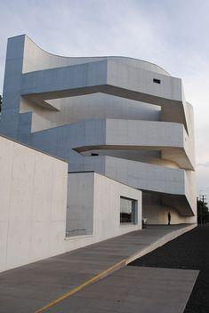 planned by Alvaro Siza - Fundação Iberê (Porto Alegre, Brasil) - photo Marcia Benetti