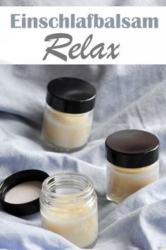 Cream the sleep balm on your wrist and relax through the scent of essential oils and fall asleep more easily Diy Hanging Shelves, Floating Shelves Diy, Mason Jar Crafts, Mason Jar Diy, Diy Beauty, How To Fall Asleep, Healthy Life, The Balm, Remedies