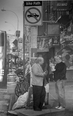 landscapes drawings and paintings of Paul Cadden Artist Paul Cadden, Realistic Pencil Drawings, Realistic Paintings, Art Drawings, Landscape Drawings, Landscapes, Hyperrealism, Guy Drawing, Black And White Drawing