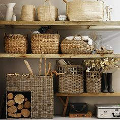 Basket storage shelves- uncredited, via rough luxe perspective Deco Champetre, Bookcase Styling, Ideas Para Organizar, The White Company, Back To Nature, Storage Baskets, Wood Storage, Storage Ideas, Basket Shelves