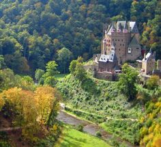 Burg Eltz Germany, Unlike many other castles in Germany, Burg Eltz was never destroyed. During the reign of King Louis XIV of France, 1654-1715, almost all of the castles along the Rhein, Neckar and Mosel Rivers in Germany were burned.