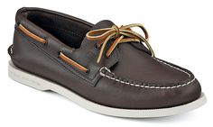 Find the men's boat shoes that match your classic style with the Authentic Original Boat Shoe from Sperry Top-Sider. Order these men's leather boat shoes today. Preppy Brands, Sperry Top Sider Men, Sperry Boat Shoes, Sailing Shoes, Leather Boat Shoes, My Guy, Swagg, Shoes Online, Pumps Heels