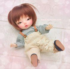 Star G, Tiny Dolls, Ball Jointed Dolls, Instagram Accounts, Bjd, Cosmetics, Handmade, Painting, Hand Made