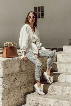White button detail blouse, gingham ankle pants, white canvas sneakers, white round sunglasses, brown structured bag. Spring outfits, casual outfits, fashion trends 2018, casual outfits, simple outfits, comfy outfits #fashion2018 #casualstyle #springstyle #streetstyle #ootd #fashionblogger