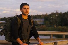 THE LUCKY ONE - Movie Trailer, Photos, Synopsis