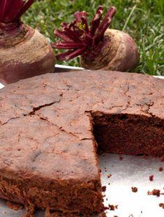 Σοκολατένιο κέικ με παντζάρι #κέικ #σοκολάτα #παντζάρι Healthy Sweets, Deserts, Pudding, Cooking, Recipes, Cakes, Yoga Pants, Food, Kitchen