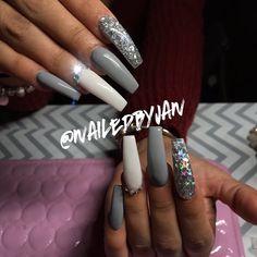 Here are the 10 most popular nail polish colors at OPI - My Nails Beautiful Nail Designs, Cute Nail Designs, How To Do Nails, My Nails, Salon Nails, Urban Nails, Fire Nails, Acrylic Nails, Coffin Nails