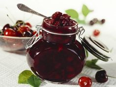 Вкусное варенье из вишни в духовке без сахара