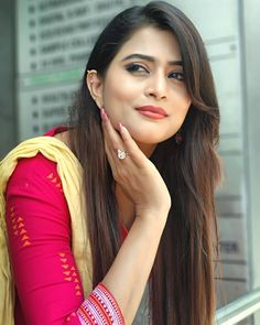 Image may contain: 1 person, closeup Beautiful Girl Indian, Beautiful Girl Image, Beautiful Indian Actress, Western Dresses For Girl, South Indian Actress Hot, India Beauty, Stylish Girl, Bollywood Actress, Beauty Women