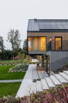 Modern Barn House, Modern House Plans, Modern House Design, Gable House, Barn Renovation, Modern Architects, Contemporary Style Homes, Modern Farmhouse Exterior, Dream Home Design