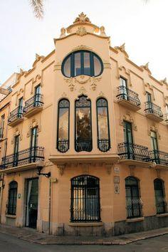 Casa Manuel Planas i Carbonell (1906) Carrer Illa de Cuba, 21 Sitges, Barcelone. Architecte : Gaietà Miret.