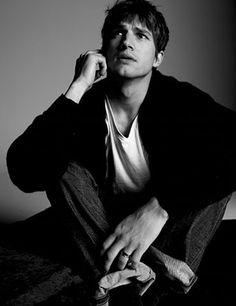 Pin for Later: It's Time to Marvel Over Ashton Kutcher's Model Good Looks