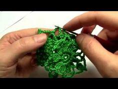 Jak háčkovat a spojovat čtvereček 3 část. - YouTube