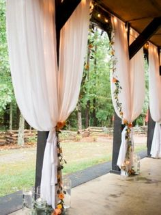 40 cozy barn decor ideas for your fall wedding 24 Best Picture For Barn Wedding ceremony For Your Taste You are looking for something, and it is going to tell Read Wedding Ceremony Ideas, Outdoor Wedding Decorations, Wedding Events, Wedding Draping, Outdoor Ceremony, Reception Ideas, Wedding Ceremonies, Wedding Favors, Backdrop Wedding