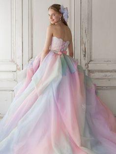 Esse vestido é uma opção ótima pra aquela festa de 15 anos ou mesmo um casamento...