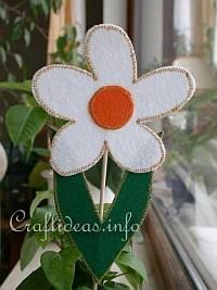 Felt Craft for Easter - Felt Daisy Plant Poke