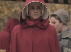 The Handmaid's Tale Hulu release date, time and episodes list for season 3 The Handmaid's Tale is back after two blockbuster seasons. This exciting show is out on popular streaming channel Hulu on. Handmaid's Tale Show, The Handmaid's Tale Book, A Handmaids Tale, Sience Fiction, Streaming Tv Shows, Elisabeth Moss, Alexis Bledel, Badass Women, Online Gratis