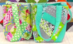 Easy Quilt-As-You-Go Improv Tote - Free Video Tutorials With Jenny Doan of Missouri Star Quilt Co and Vanessa of Crafty Gemini. ✯ #quilting