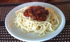 pasta con salsa ragu casera