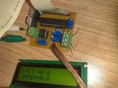 As soon as a circuit to do. Volt ampere meter circuit 2 × 16 LCD screen displays information on the voltage and current used microcontroller Electronics Projects, Microcontrolador Pic, Circuit, Volt Ampere