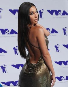 Chantel Jeffries looked nearly unrecognizable at Sunday's VMAs where she channeled vintage Kim Kardashian in a slinky gold dress, long raven tresses and dramatic makeup. Ariana Grande The Weeknd, Alessia Cara Scars, Zayn And Taylor Swift, Kanye West Fade, Skip Marley, Prom Night Dress, Dj Shadow, Black Spiderman, Best Hip Hop