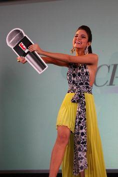 Solange Romero se prepara para ceder su micrófono a la próxima Chica E! Venezuela. ¿Estás lista?