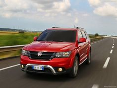 Official Detailed : 2015 Fiat Freemont Cross Review & Price