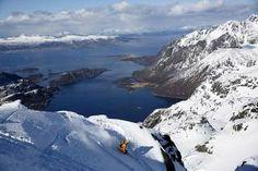 Esquí de Montaña en el Trollfjorden de las Islas Lofoten (Noruega). Rider by Northern Playground, Sail Norway, Oficina de Turismo de Noruega y Lugares de Nieve: Ferrán Márquez