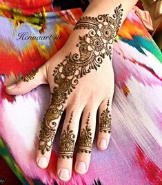 Arabic Mehendi Designs - Check out the latest collection of Arabic Mehendi design ideas and images for this year. Arabic mehndi designs are the most fashionable and much in demand these days. Latest Arabic Mehndi Designs, Mehndi Designs For Girls, Modern Mehndi Designs, Mehndi Design Pictures, Wedding Mehndi Designs, Mehndi Designs For Fingers, Latest Mehndi Designs, Mehndi Images Simple, Mehndi Simple
