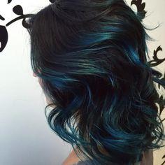 brushed-in-dark-blue-hair