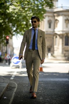 "1000yardstyle: ""London…..summer suited """