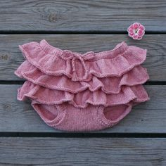 Bloomers - pattern available in Danish and English from Petite Something