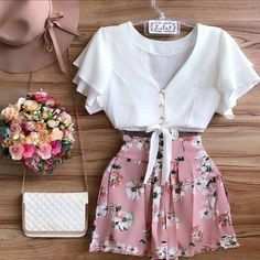 Discovered by vodkabitchess. Find images and videos about fashion and outfit on We Heart It - the app to get lost in what you love. Spring Outfits, Trendy Outfits, Girl Outfits, Fashion Outfits, Womens Fashion, Mode Inspiration, Mode Style, New Girl, Look Fashion