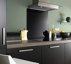 This Jet Black Splashback would suit any style of kitchen. With our simple to use 'Peel, Stick & Seal' process, applying your new Splashback couldn't be easier. Glass Kitchen, Kitchen Colors, Kitchen Backsplash, New Kitchen, Kitchen Design, Kitchen Cabinets, Black Splashback, Coloured Glass Splashbacks, Splashback Ideas