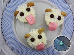 League of Legends Poro cupcakes. They're so cute!
