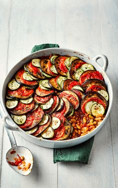 This vegan ratatouille recipe is a beautiful French dish, and the perfect midweek meal. Vegan Dinner Recipes, Delicious Vegan Recipes, Gourmet Recipes, Healthy Recipes, Healthy Meals, Vegetarian Recipes, Vegetable Ratatouille, Ratatouille Recipe, Onion Soup Recipes