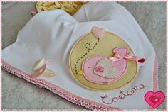 Um miminho para a Caetana ... ♥