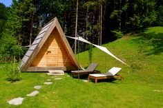 Glamping Bled, Slovenia: http://www.greenme.it/viaggiare/eco-turismo/5588-glamping-bled
