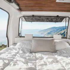 Dit is de camper van je dromen! Zach Both bouwde een oud Chevy-busje om tot een droomcamper. Als je dit ziet wil je NU een roadtrip maken!