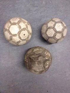 Nasze piłki do nożnej z dzieciństwa • Wesołe obrazki w futbolu • Każdy miał kiedyś taką piłkę do nożnej • Wejdź i zobacz więcej >> #football #soccer #sports #pilkanozna #funny