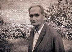 Rudolf Hess in in the garden of Spandau Prison. He was murdered at the age of 93 to cover up his peace mission. Nagasaki, Hiroshima, Fukushima, Ww2 Propaganda Posters, Nuremberg Trials, Modern World History, Germany Ww2, Berlin, World History