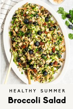 Delicious, healthy broccoli salad recipe made with simple ingredients like fresh blueberries, carrots, sweet dried apricots, almonds and su. Vegetarian Broccoli Salad, Brocolli Salad, Summer Salad Recipes, Summer Salads, Healthy Summer, Healthy Salads, Healthy Recipes, Delicious Recipes, Vegetables