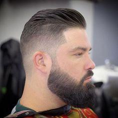 Segue abaixo estilos para inspiração: 1) Linhas Retas nas Laterais (Trimmed Beard)
